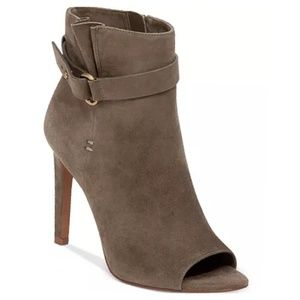 Bcbgeneration Cassia gray suede leather booties 8M